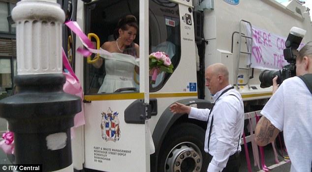 Garbage - Bride Smiling